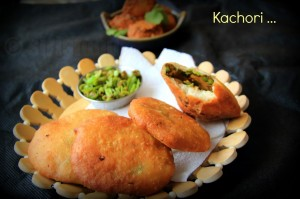 Mutter Ki Kachore | Green Peas Kachori with Dum Aloo | Indian Street Food Recipes
