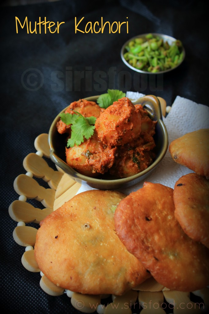 Mutter-Ke-Kachori